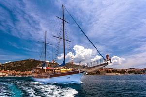 Gulet yacht cruise