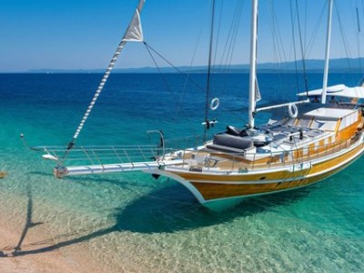 Cabin charters in Greek Islands