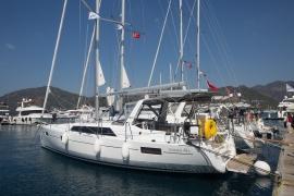 Oceanis 41.1 (порт Геджек)